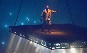 kanye-west-performance-footer-3